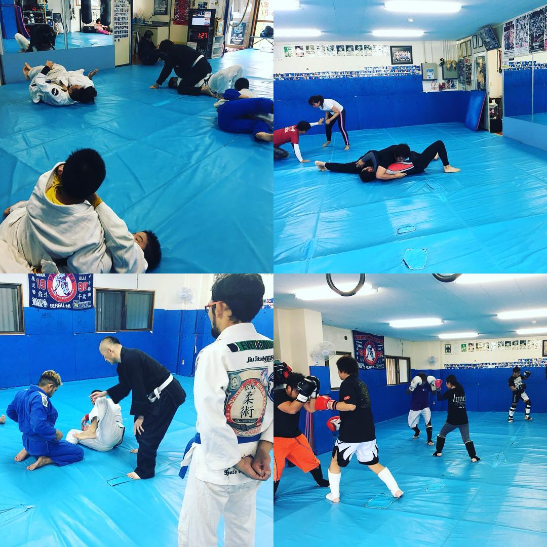 土曜日Theパラエストラ沖縄那覇! 正午12時から柔術クラスが始まり、本日はキッズも参加して大人と一緒に柔術でした。 14時からはグラップリング強化クラス、今日は30代40台の親父中心のトレーニング^ ^ 15時半からはキックボクシングクラス8名参加、そして17時から再び柔術クラスは5名参加でした。 1日中様々なクラスがあります! 参加者の皆さま今日も1日強くなりました、おつかれさまでしたー  #パラエストラ #沖縄 #那覇 #与儀 #MMA #shooto #コザ #総合格闘技 #修斗 #キックボクシング #柔術 #jiujitsu #ダイエット