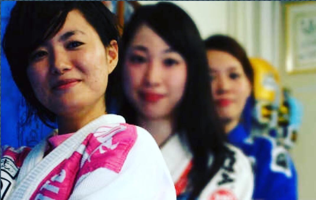 2019年1月31日木曜日那覇、昼クラス! 本日は珍しく、参加者全てが女性でした。最近は柔術を始める女性も増えてます。  本日もいいトレーニングでした、明日も良い一日を👊  #女子格闘技 #パラエストラ #沖縄 #那覇 #与儀 #MMA #shooto #コザ #総合格闘技 #修斗 #キックボクシング #柔術 #jiujitsu #ダイエット