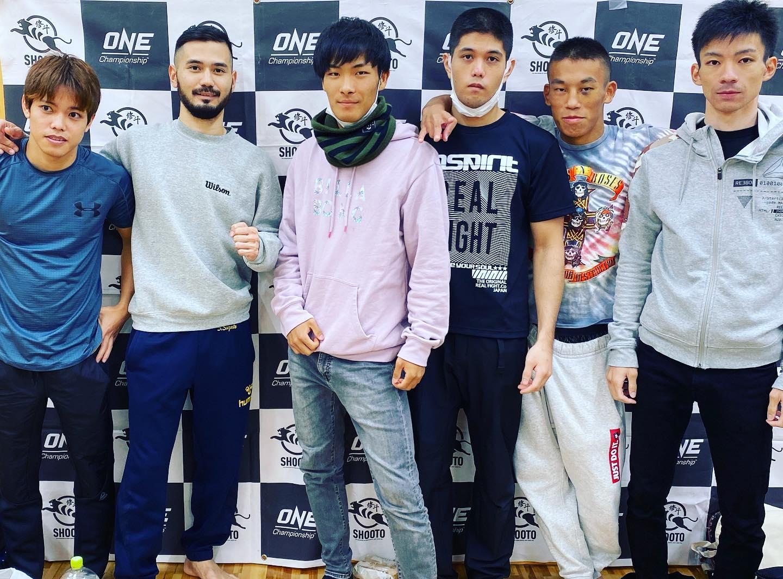 自分の人生を賭けて打ち込む夢が見つかった君は、既にその夢の50%は叶っている。全日本アマチュア修斗へ、プロシューターへ、日本へ、そして世界へ。さあ愛すべき若者達、これが夢への第一歩、全力で戦おう。#アマチュア修斗九州沖縄選手権#2020全日本選手権#パラエストラ #沖縄 #那覇 #与儀 #MMA #shooto #コザ #総合格闘技 #修斗 #キックボクシング #柔術 #jiujitsu #ダイエット